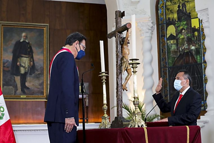 OFICIAL | El general César Gentille es el nuevo ministro del Interior